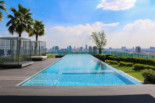 Conoce todo lo que tienes que saber para renovar el aspecto de tu piscina